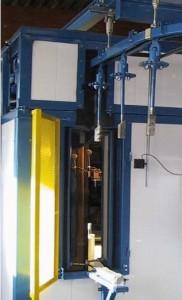 Säiliöiden sisäpuolen puhallus automaattiseesti riippuradalla
